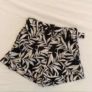 High Waisted Contemporary Leaf Print Shorts